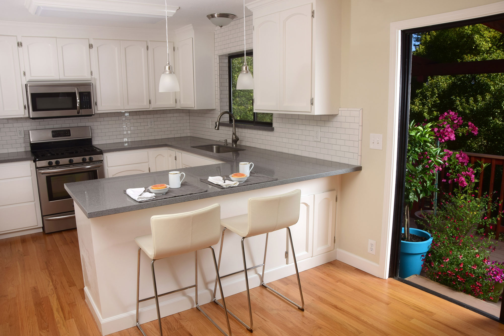 U-Shaped Kitchen 3 - Mihalko's General Contracting Kitchens